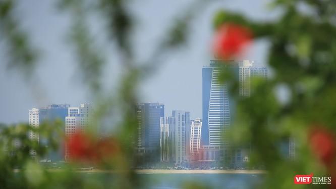 Một góc thành phố Đà Nẵng nhìn từ bán đảo Sơn Trà
