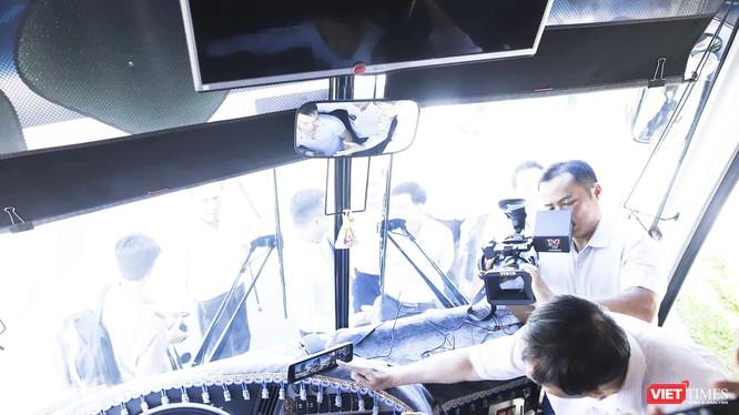 Sở Du lịch TP Đà Nẵng phối hợp với Sở GTVT TP cùng các doanh nghiệp du lịch, lữ hành tổ chức buổi Lễ ký kết lắp đặt camera trên xe du lịch.
