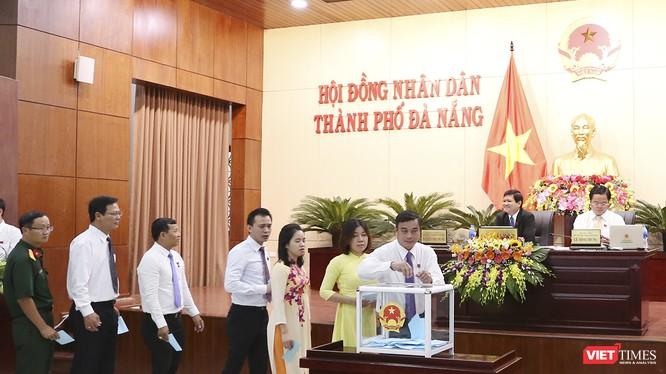 Hoạt động bỏ phiếu bầu các chức danh tại Kỳ họp thứ 7 HĐND TP Đà Nẵng