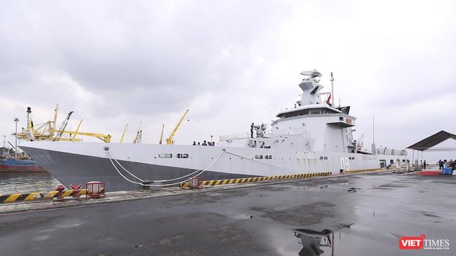 Tàu Hải quân Brunei mang tên KDB DARUTTAQWA cập Cảng Tiên Sa