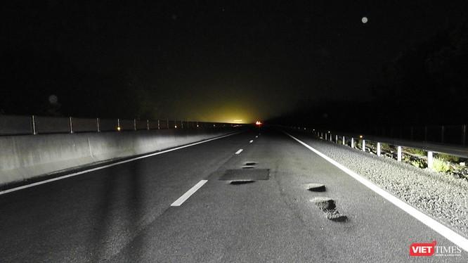 """Những """"cái bẫy chết người"""" xuất hiện trên tuyến cao tốc Đà Nẵng-Quảng Ngãi"""