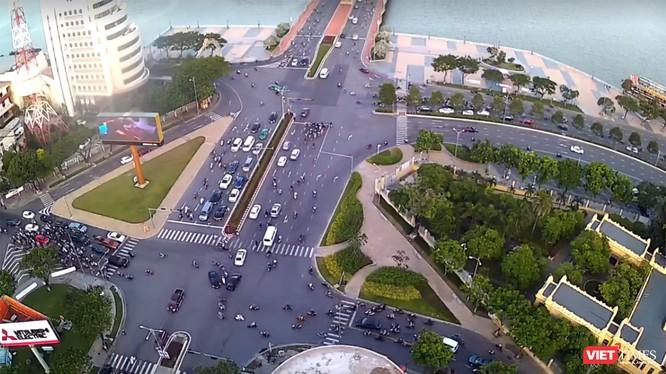 Nút giao thông phía tây cầu Rồng sẽ có 2 hầm chui theo hướng lưu thông từ đường Trần Phú đi Đường 2/9 và hướng lưu thông từ Đường 2/9 đi đường Bạch Đằng.