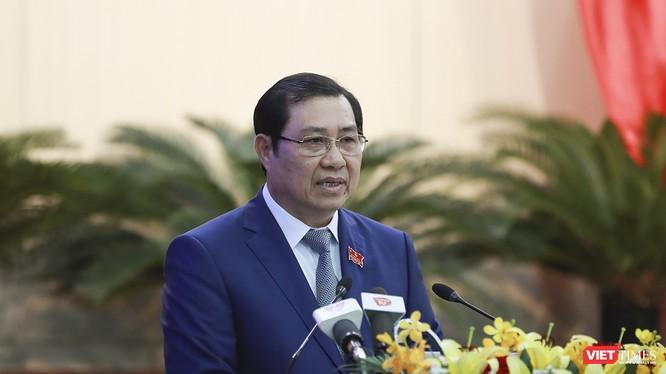 Sáng 19/12, Chủ tịch UBND TP Đà Nẵng Huỳnh Đức Thơ đã có giải bày với cử tri về những vấn đề Đà Nẵng đã và đang trải qua