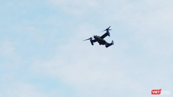 """Chiều ngày 5/2, người dân địa phương đã vô tình ghi được hình ảnh của """"siêu máy bay"""" MV-22 Osprey của Mỹ trên bầu trời Đà Nẵng. (ảnh N.Đ.Đ)"""