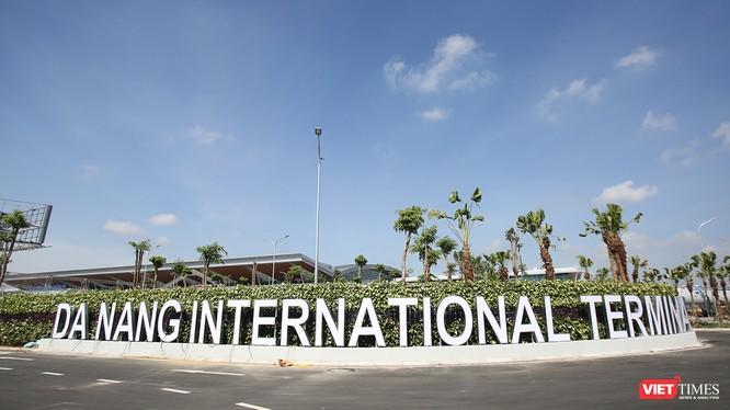 Đơn vị tư vấn kiến nghị Đà Nẵng ưu tiên đầu tư 2 tuyến ở giai đoạn đầu tiên là xe điện mặt đất trục đông tây kết nối biển Mỹ Khê với Sân bay quốc tế và xe điện mặt đất trục nam bắc dọc biển Mỹ Khê, kết nối khu resort phía đông nam thành phố.