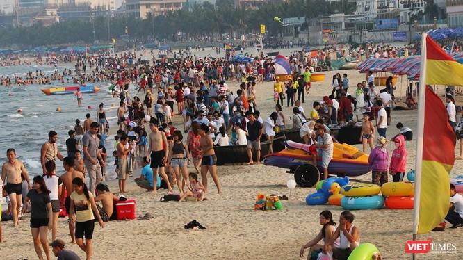 Biển Đà Nẵng, một trong những bãi biển đẹp nhất hành tinh được các tạp chí nước ngoài bình chọn
