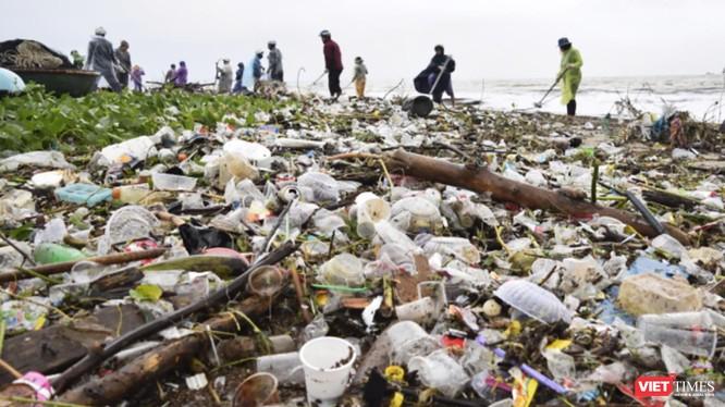 Hướng đến thành phố môi trường, phát triển bền vững, Đà Nẵng kêu gọi toàn TP chung tay hạn chế sử dụng chai nhựa, dụng cụ nhựa sử dụng 1 lần khó phân hủy