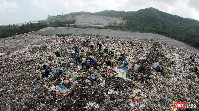 Điểm nóng ô nhiễm môi trường bãi rác Khánh Sơn đang quá tải từng ngày