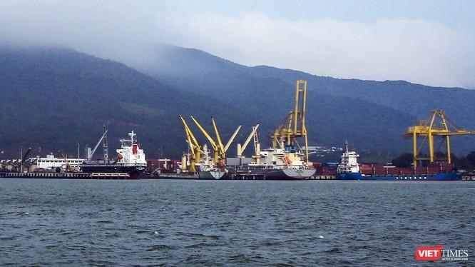 Việc xác định giá trị quyền sử dụng đất để tính vào giá trị doanh nghiệp khi cổ phần hóa tại Công ty TNHH MTV cảng Đà Nẵng đối với thửa đất tại số 26 Bạch Đằng (diện tích hơn 1.011m2) được tính giảm 20% là không có cơ sở.