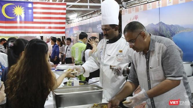 DNIFF 2019 có sự tham dự của 13 đầu bếp danh tiếng là những chuyên gia ẩm thực, đồng thời là thành viên Hiệp hội đầu bếp đến từ các quốc gia Đức, Mexico, Úc, Ấn Độ, Trung Quốc, Srilanka, Lebanon, Thụy Điển, Mỹ, Thổ Nhĩ Kỳ, Hy Lạp, Malaysia, Singapore.