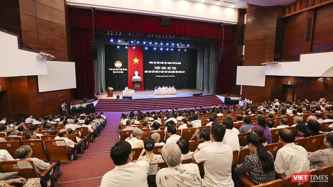 Sáng 26/6, Đoàn đại biểu Quốc hội TP Đà Nẵng đã có buổi Tiếp xúc cử tri Báo cáo kết quả kỳ họp thứ 7 Quốc hội khóa XIV