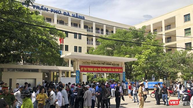 Theo Sở GD-ĐT TP Đà Nẵng, kỳ thi tốt nghiệp THPT quốc gia năm 2019 diễn ra trên địa bàn đã kết thúc thành công bằng kết quả an toàn, nghiêm túc và đúng Quy chế.