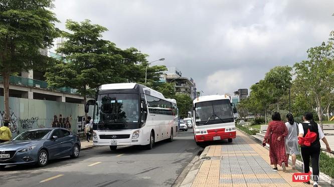 Từ ngày 1/8, Đà Nẵng sẽ tiến hành xử phạt các trường hợp xe chở khách trên 16 chỗ đậu đỗ tại một số tuyến đường trung tâm TP.