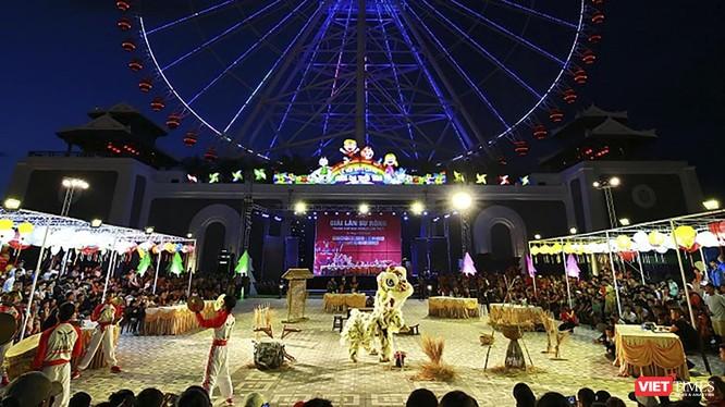 Biểu diễn lân sư rồng tại Công viên Sun World Danang Wonders