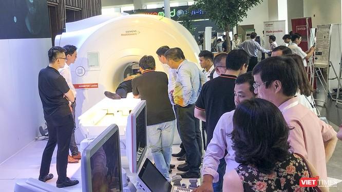 Tốc độ cập nhật thiết bị chẩn đoán và điều trị y học hạt nhân tại Việt Nam đang tăng trưởng vượt bậc