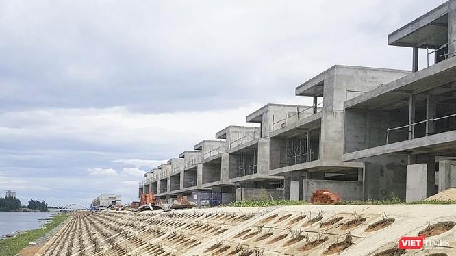 36 căn biệt thự tại khu đô thị Phú Mỹ An (quận ngũ hành Sơn, TP Đà Nẵng) do Công ty CP Đất Xanh Miền Trung làm chủ đầu tư