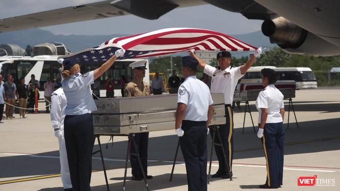 Lễ trao trả và hồi hương hài cốt quân nhân Mỹ lần thứ 151 diễn ra tại sân bay Đà Nẵng