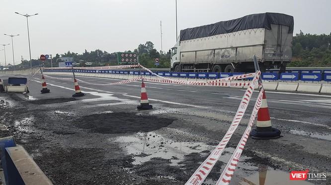 Đoạn đường hư hỏng tại Km 0+50 phía trái tuyến cao tốc Đà Nẵng-Quảng Ngãi vừa xuất hiện cuối tháng 9/2019