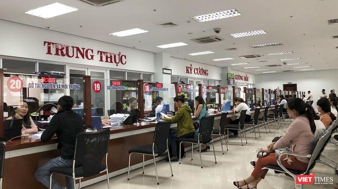 Khu vực Tiếp nhận và Trả kết quả hành chính ở Trung tâm hành chính TP Đà Nẵng.