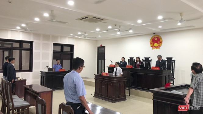 Thẩm phán, chủ tọa phiên tòa tuyên án chấp nhận đơn kiện của Vipico, yêu cầu UBND TP Đà Nẵng công nhận kết quả đấu giá cho Vipico