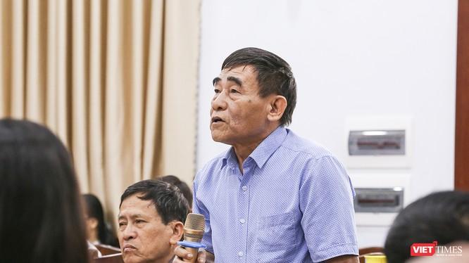 Cử tri Nguyễn Quang Nga ý kiến tại Hội nghị tiếp xúc cử tri quận Thanh Khê diễn ra sáng 19/11
