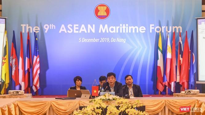 Vụ trưởng Vụ ASEAN Bộ Ngoại giao Vũ Hồ - Đại diện cho chủ nhà Việt Nam chủ trì phiên khai mạc
