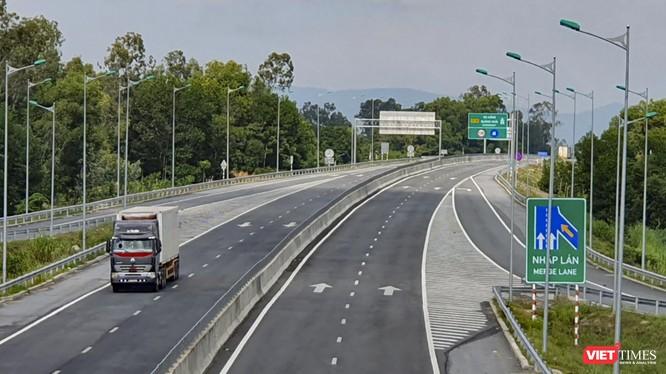 Một đoạn cao tốc Đà Nẵng - Quảng Ngãi do VEC đầu tư