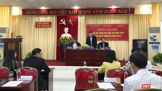 Ông Trần Đình Hồng - Trưởng Ban Tuyên giáo Thành ủy Đà Nẵng phát biểu tại hội nghị Tổng kết công tác báo chí năm 2019 và triển khai nhiệm vụ năm 2020
