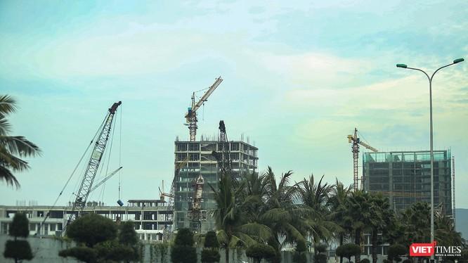 Một góc Dự án khu đô thị quốc tế mới Đa Phước đang xây dựng dở dang