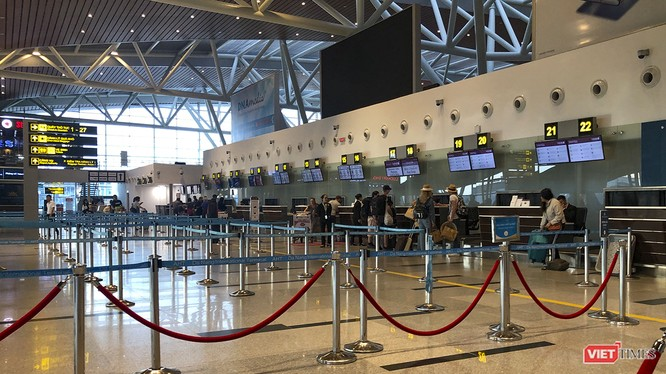 Một góc sân bay quốc tế Đà Nẵng mùa COVID-19