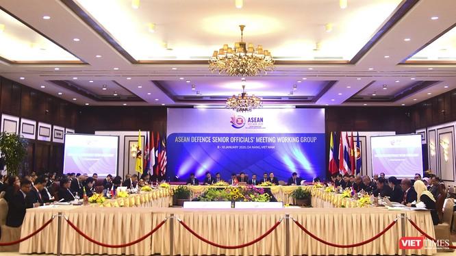 Hội nghị Nhóm làm việc Quan chức Quốc phòng Cấp cao ASEAN (ADSOM WG) với sự tham dự của hơn 80 đại biểu đến từ 10 nước ASEAN tổ chức tại Đà Nẵng vào tháng 1/2020