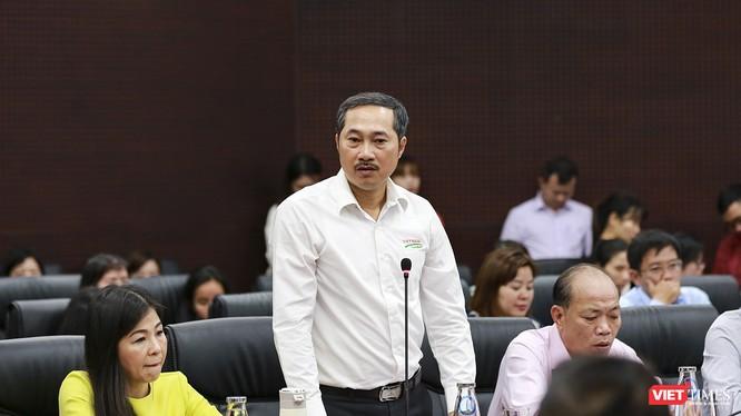 Ông Cao Trí Dũng - Chủ tịch Hiệp hội Du lịch TP Đà Nẵng phát biểu tại buổi gặp mặt cộngk đồng DN của UBND TP Đà Nẵng diễn ra sáng 4/3