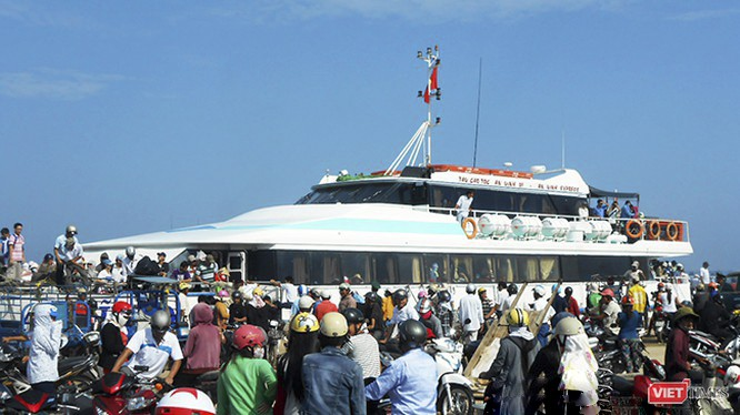 Từ ngày 9/3, Quảng Ngãi tạm dừng cấp phép cho du khách ra vào đảo Lý Sơn