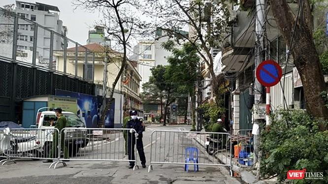 Chủ tịch UBND TP Đà Nẵng vừa ban bố tình trạng cách ly xã hội trên địa bàn để phòng chống dịch COVID-19