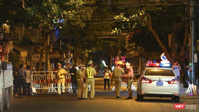 Các tuyến đường dẫn vào 3 bệnh viện ở Đà Nẵng trong đêm thiết lập lệnh phong tỏa