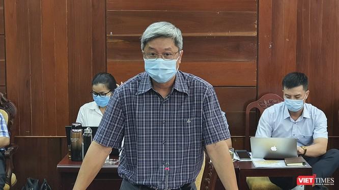 Thứ trưởng Bộ Y tế Nguyễn Trường Sơn tại buổi làm việc với Ban Chỉ đạo phòng, chống dịch COVID-19 tỉnh Quảng Ngãi (Ảnh Anh Văn-Tuấn Dũng)