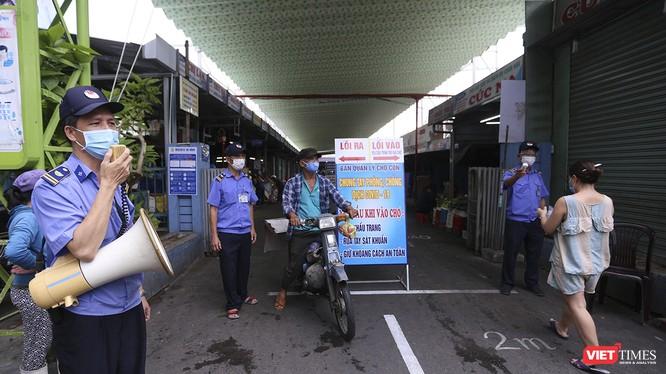 Đà Nẵng tiếp tục áp dụng giãn cách người dân đến chợ đi chợ bằng phiếu