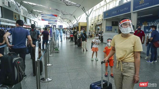 Hà Nội đón hơn 900 hành khách mắc kẹt tại Đà Nẵng trong 2 ngày. Ảnh minh họa: Xuân Mai