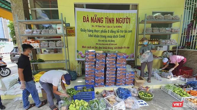 """""""Chợ thực phẩm 0 đồng"""" hỗ trợ người dân ảnh hưởng dịch COVID-19 ở Đà Nẵng"""
