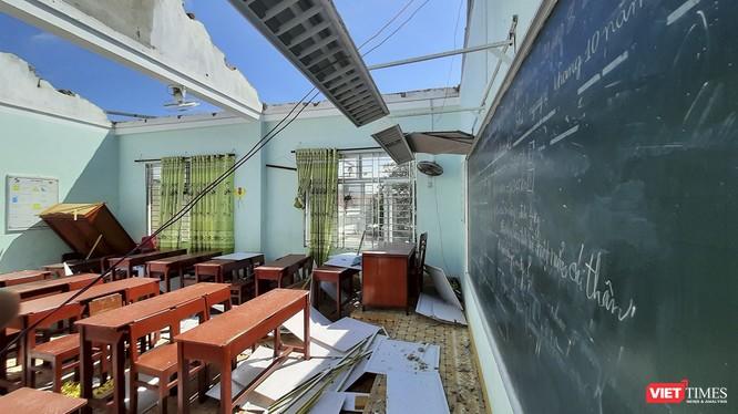 Bão số 9 làm tốc mái và hư hỏng nhiều trường học thuộc các tỉnh miền Trung