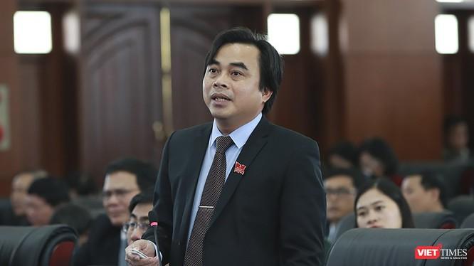 Ông Tô Văn Hùng - Giám đốc Sở TN&MT TP Đà Nẵng phát biểu tại kỳ họp HĐND TP Đà Nẵng