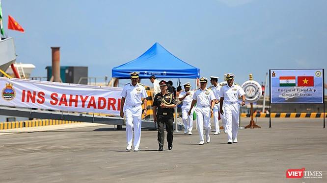 Lực lượng Hải quân Ấn Độ trong chuyến thăm hữu nghị Việt Nam.