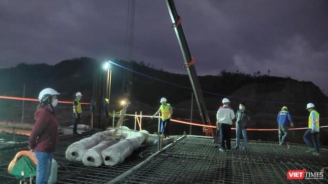 Công nhân thi công xuyên Tết với mong muốn đẩy nhanh tiến độ, sớm đưa Danang IT Park thành thung lũng CNTT trọng điểm của cả nước.