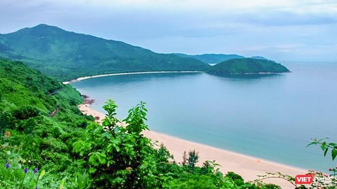Một góc Làng Vân nhìn từ đèo Hải Vân (phường Hoà Hiệp Bắc, quận Liên Chiểu, TP Đà Nẵng) (ảnh Nguyễn Trình)