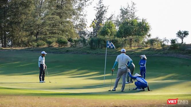 Golfer tham gia giải đấu tại sân golf trên địa bàn TP Đà Nẵng