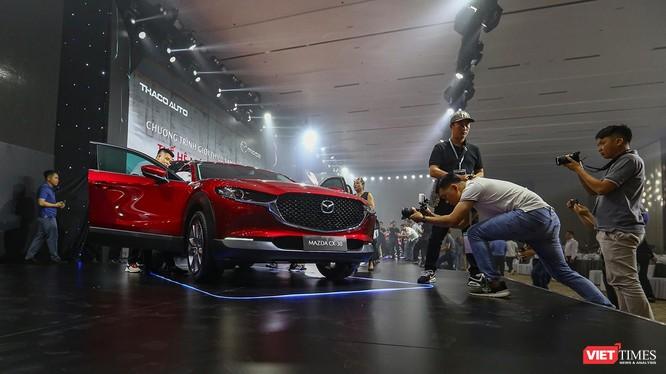 """Dòng xe Mazda """"Thế hệ mới – Đẳng cấp mới"""" CX-30 thu hút sự quan tâm của giới truyền thông trong buổi ra mắt diễn ra sáng ngày 20/4"""