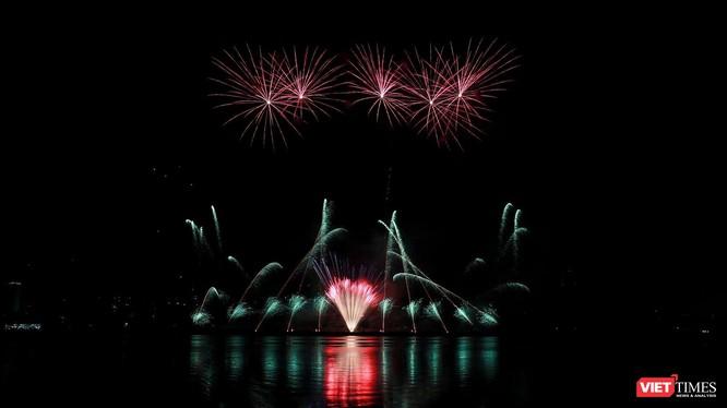 Màn trình diễn pháo hoa tạo Lễ hội pháo hoa quốc tế Đà Nẵng