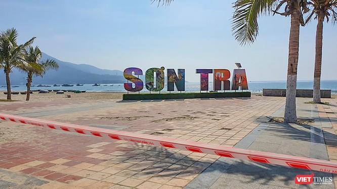 Biển du lịch Đà Nẵng bị phong toả, cấm người dân tắm biển để phòng, chống dịch COVID-19