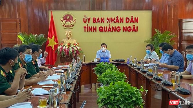 Lãnh đạo UBND tỉnh Quảng Ngãi chủ trì cuộc họp khẩn liên quan đến các ca mắc COVID-19 mới trên địa bàn