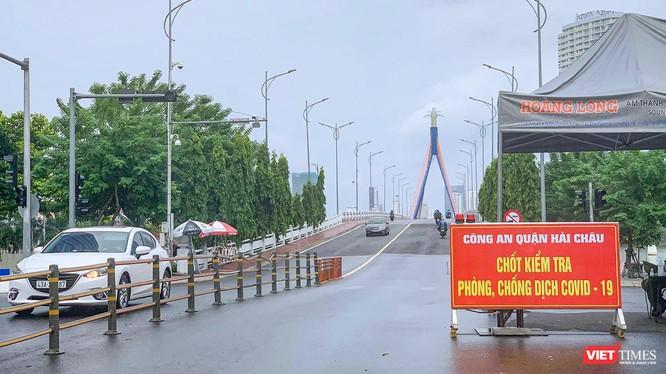 Lưu thông qua cầu Sông Hàn (Đà Nẵng) đã trở lại bình thường (Ảnh Nghĩa Hiếu)